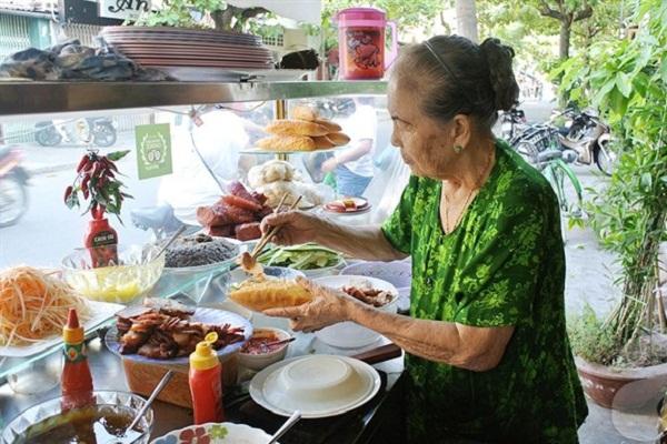 Bánh mỳ Madame Khánh