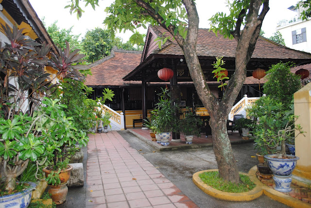Quán Vườn cau ở Huế
